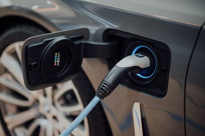 corso-auto-ibride-elettriche